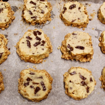 toffee chocolate chunk shortbread cookies
